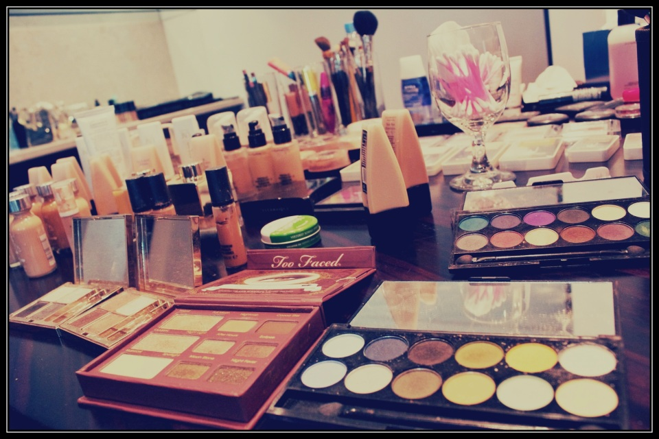 Working the eyes with these amazing palettes from Sleek and TooFaced