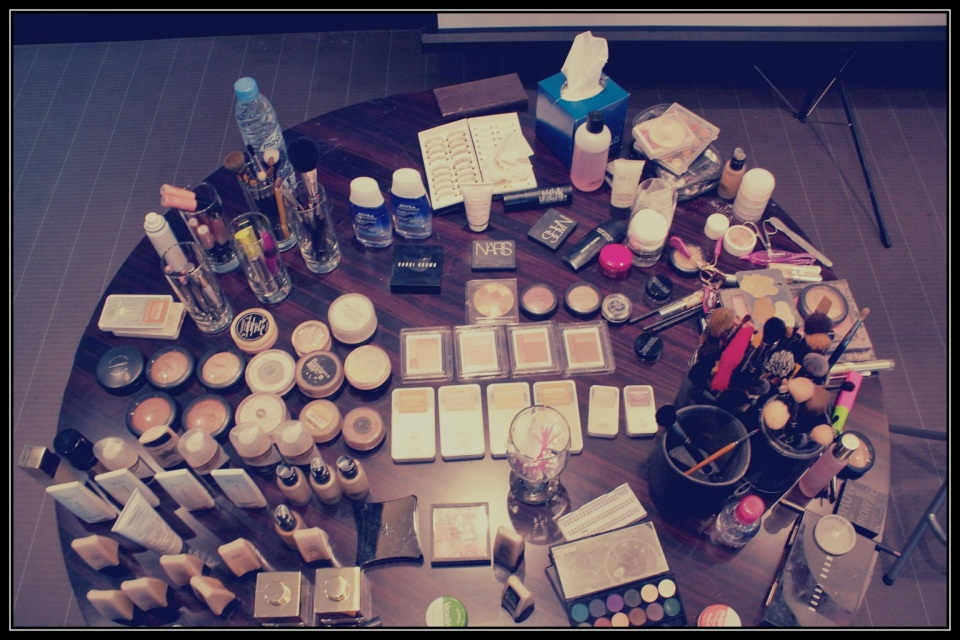 The Make-up Table at a glance