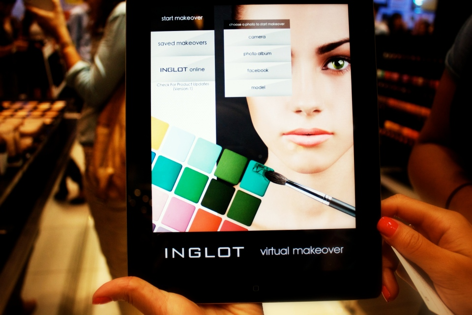 Inglot Make-over App for the IPAD